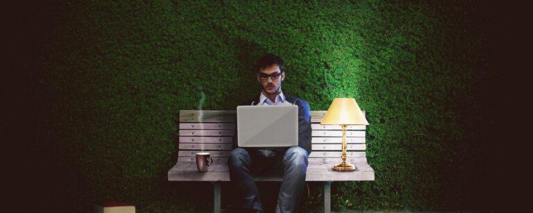 Mailen na werktijd – Is de werkgever verantwoordelijk?