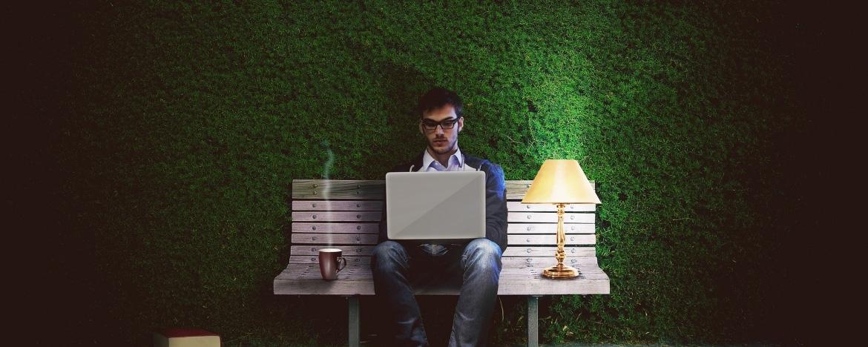 Mailen na werktijd - Is de werkgever verantwoordelijk?
