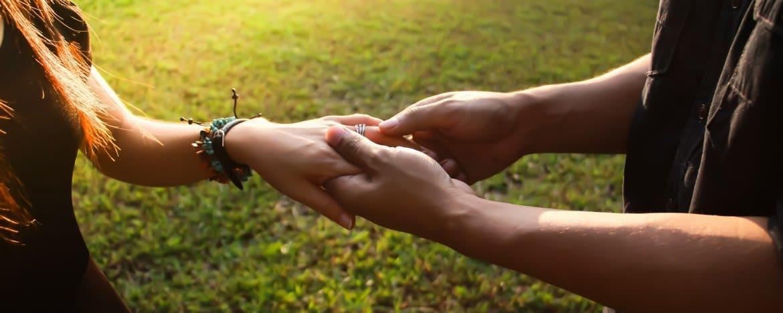 Duizeligheid door stress of een burn-out: de oorzaken van duizelig zijn