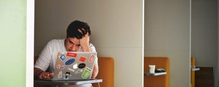Omgaan met werkdruk en stress op de werkvloer – Hoe doe je dat?