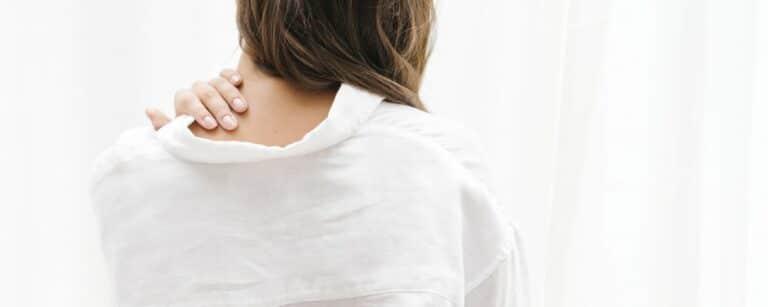 Stijve nek of nekpijn door stress