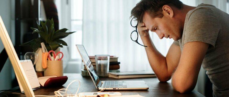 Hoe ver moet je gaan om je baan te behouden: herken tijdig de signalen