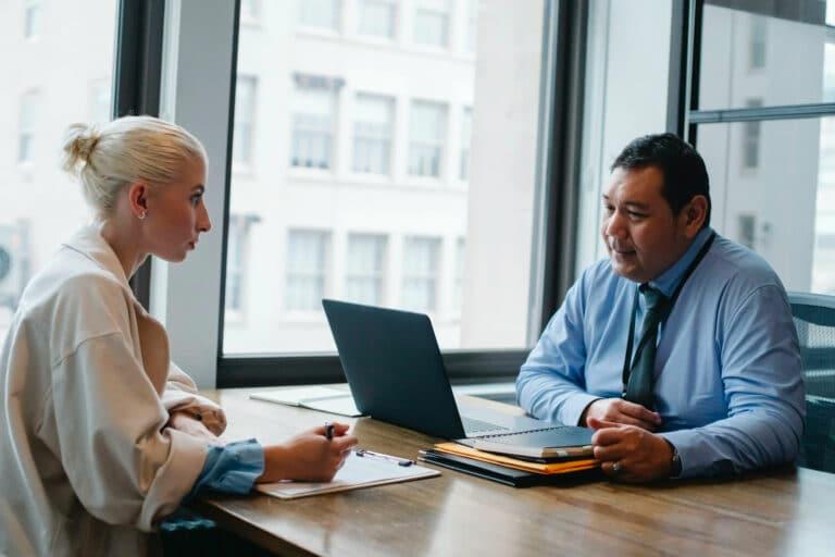 Assertieve werknemers: Hoe vergroot je de assertiviteit op de werkvloer?